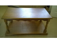 SOLID OAK COFFEE/SIDE TABLE-GREAT CONDITION