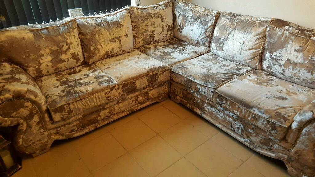 Velvet corner couch + swivel chair with DIAMOND'S