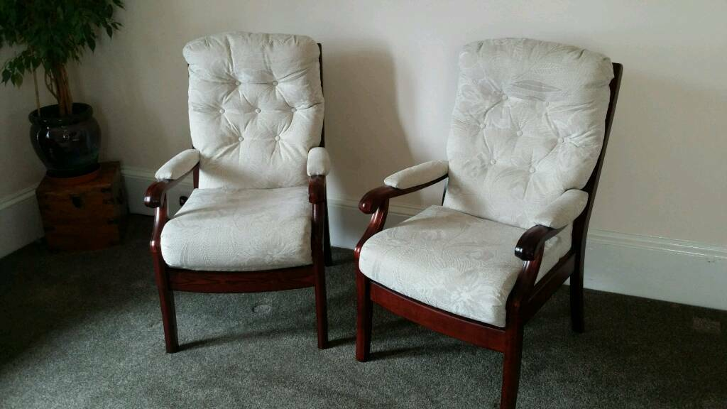 cintique living room suite 4 chairs  in lochgelly fife