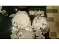 Jane Asher's 24 piece dinnerset *Extras*