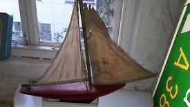 "Vintage 1930s Wood Wooden Pond Boat/Yacht Ship 18"" Hull and metal Keel"