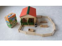 Early Learning Centre Wooden stable and Riding set with horse age 3+ with assembly instructions