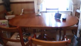 lovely 6 seater dining table and chairs