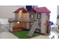Sylvanian families beechwood hall house with furniture!