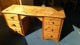 Pine 6 Drawer Dressing Table /Desk