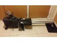 For sale rowing machine in good condition! !!