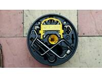 Renault Clio mk2 Set ley lever in spare wheel Coventry