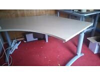 Large corner Desk table in great condition