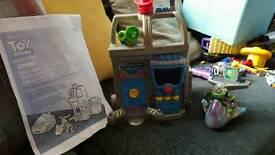 Imaginext toy story buzz set