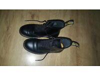 dr martens men's shoes sieze 8 BLACK