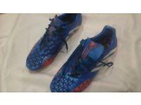 Mens Adidas Predator football boots, size 10