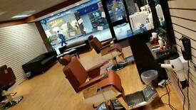 Hairstylist and barber wanted in Gravesend