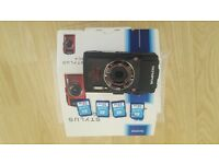 Olympus Stylus Tough TG4 and 4 32gb SD cards (class 10)