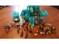 Large Scooby do collection