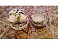 4 place Green patterned tea set