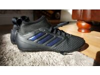 Kids adidas size.3 sock football boots