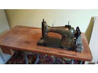 Heavy duty Singer Sewing machine 95K40