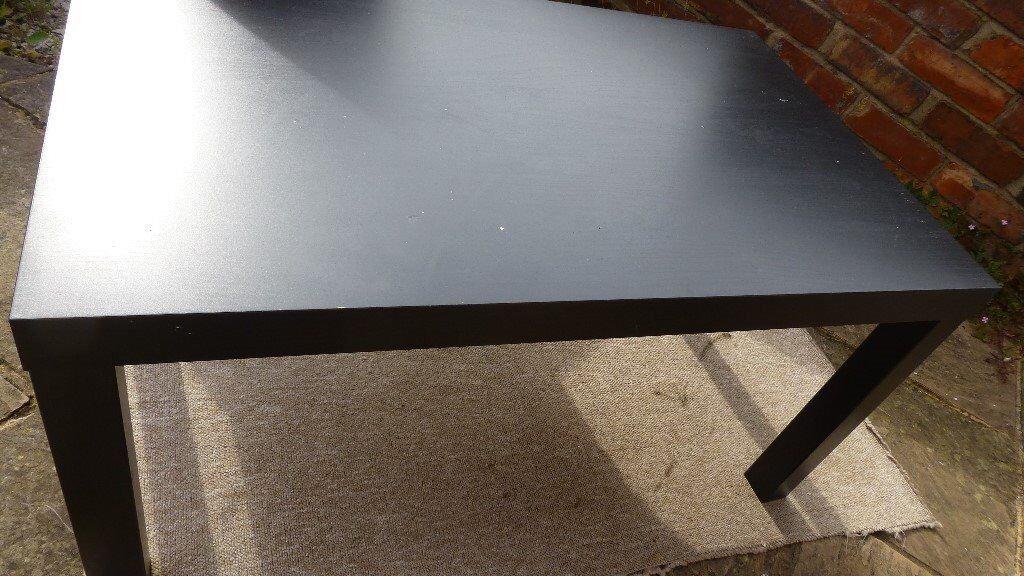Coffee table. Hardly used
