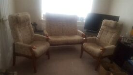 2 STR SOFA AND 2 CHAIRS HIGH BACK ALL RECLINING ... LOOK FANTASTIC BARAGAIN TO GO