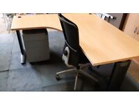 Office furniture executive managers office desk with pedistal and chair