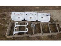 3 small sinks