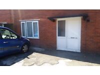 NR BOLTON ROYAL- Bolton Self contained Studio flat - own shower room - bills and internet included