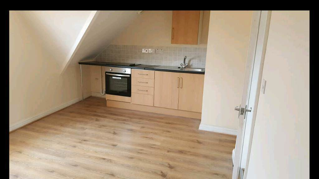 1 Bedroom Flat 2 Mins Walk To Teesside University In