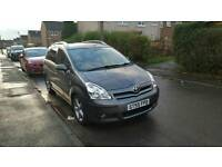 Toyota Corolla Verso 2.2 D-4D T180 - low miles - reliable car