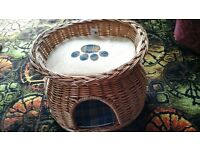 2 TIER WICKER KITTEN OR SMALL CAT BED WITH REVERSIBLE CUSHION PADS