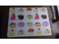 Glass cupcake chopping board