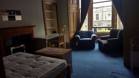 Students: Massive Double room in Marchmont/Meadows area. Available September 1st!