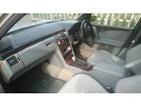 Mercedes E300td automatic for parts
