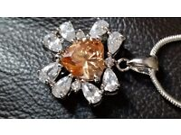 BRAND NEW 3 CARATS PADPARADSCHA SAPPHIRE, WHITE TOPAZ, 925 SOLID STERLING SILVER PENDANT NECKLACE