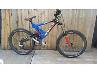 scott downhill full suspension mountain bike rock shoks marazochi tripple clamps xtr shimano xt