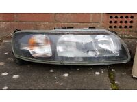 Volvo V70 headlight units