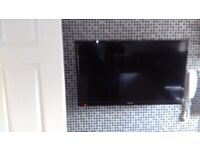 "TV32"" LED AND PHONE"