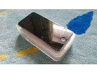 Apple iPod touch 5th Generation 16GB - MINT