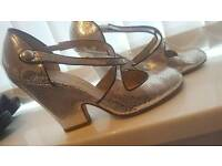 Size 8 silver wedges