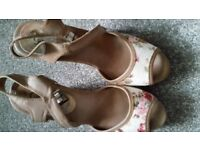 Ladies shoe size 6 wedged