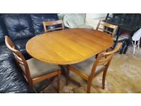 Extendable Vintage Meredew Dining Table with 4 chairs in Excellent Condition