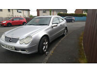 Mercedes Benz 2004 C220, Diesel, cheap tax/insurance £1295 .o.n.o. (PRICE REDUCTION)