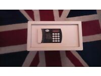 Electronic room safe**Delivery**