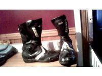 motorbike rayven leather trousers /amx leather jacket .tuzzzo motorbike boots size 9