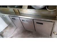 Commercial counter fridge