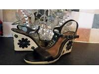Ladies wedge shoe size 6