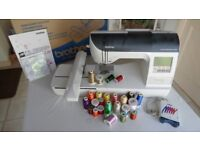 BROTHER INNOVIS 750E EMBROIDERY MACHINE (+ SOFTWARE) - EXCELLENT CONDITION