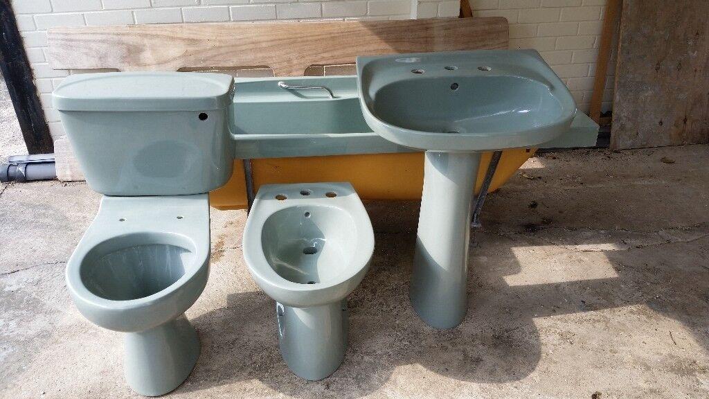 Retro Avocado bathroom suite, used but in good condition ...