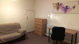 Fully furnished double room in Hendon Central
