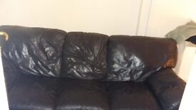 3 Seater black leather sofa, good condition (picture doesnt do it any justice)