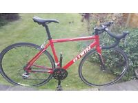B'TWIN Triban 3 Road bike with carbon forks